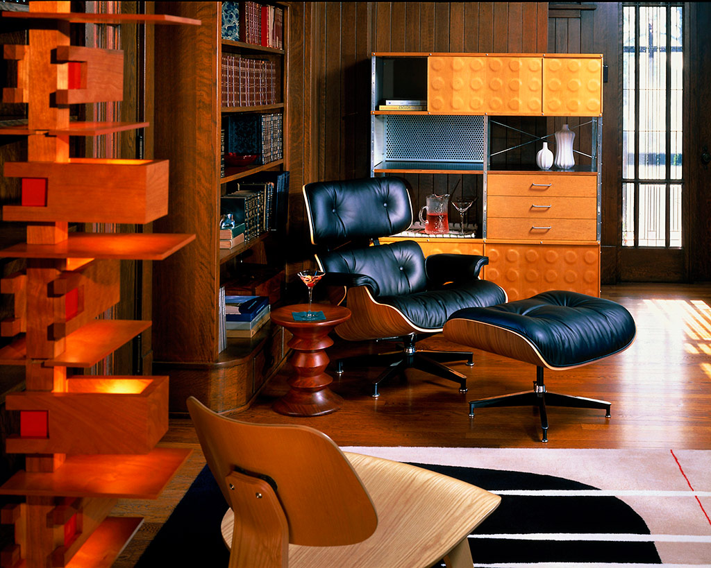 the eames lounge chair and ottoman mhv magazine. Black Bedroom Furniture Sets. Home Design Ideas