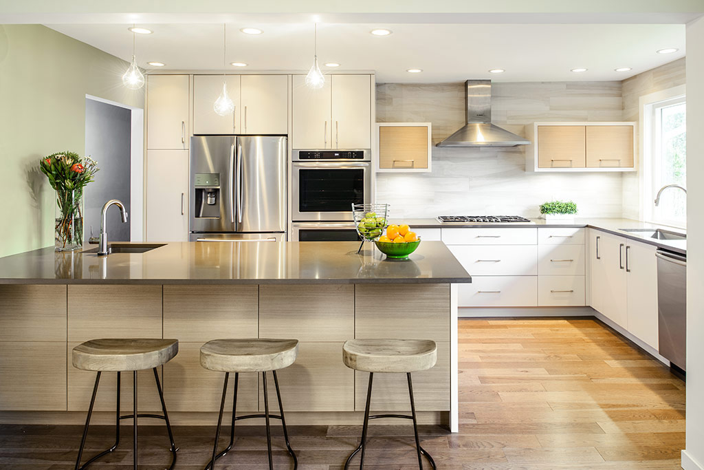 From traditional to modern 3 kitchen renovations defined for Modern kitchen renovations