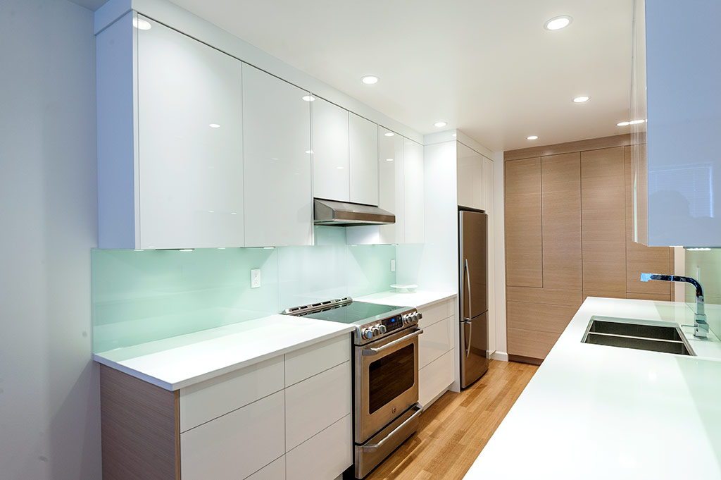 Modern galley kitchen design modern home victoria for New galley kitchen designs