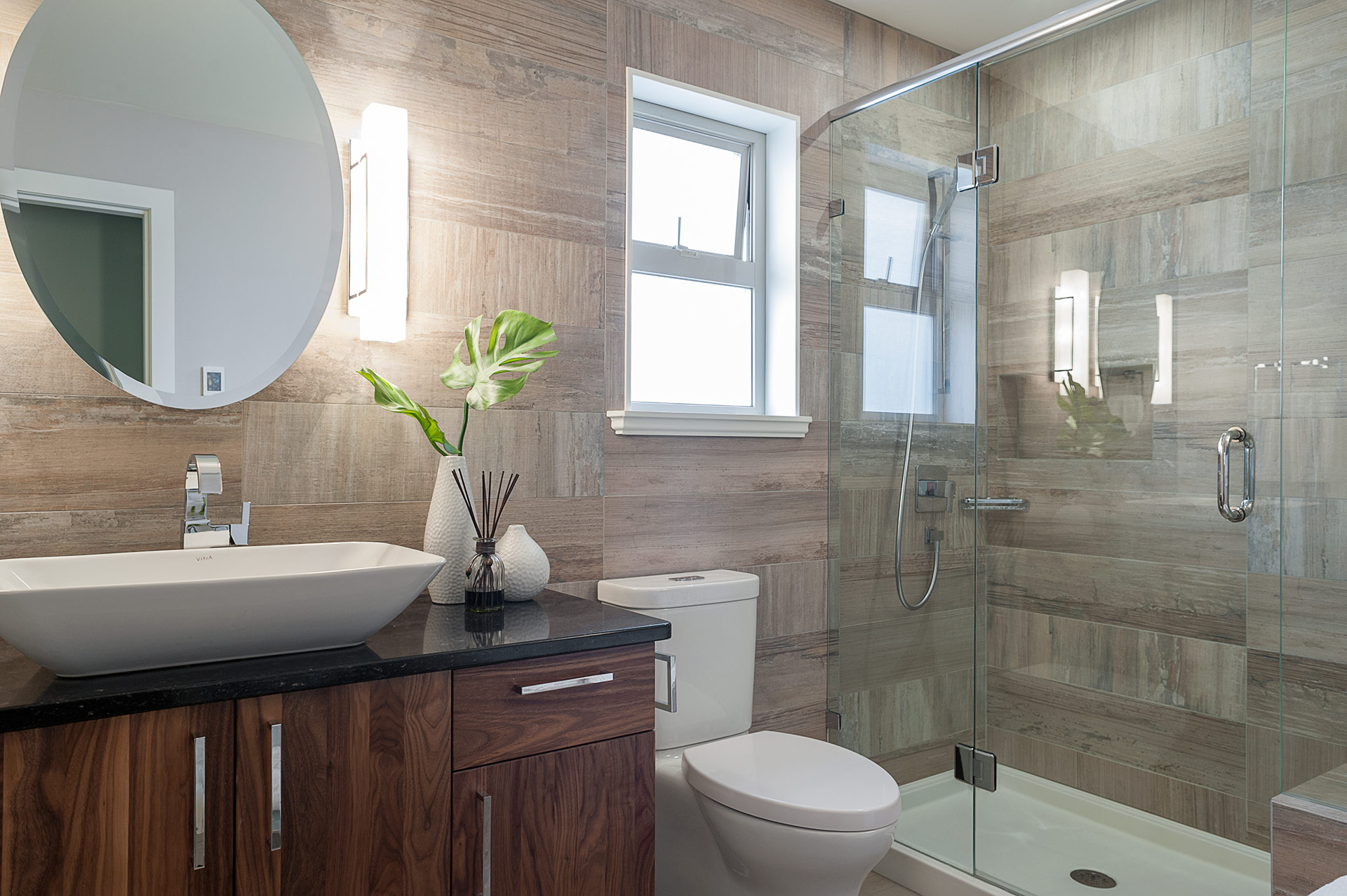 Small bathroom renovation loaded with style modern home for Bathroom renovations